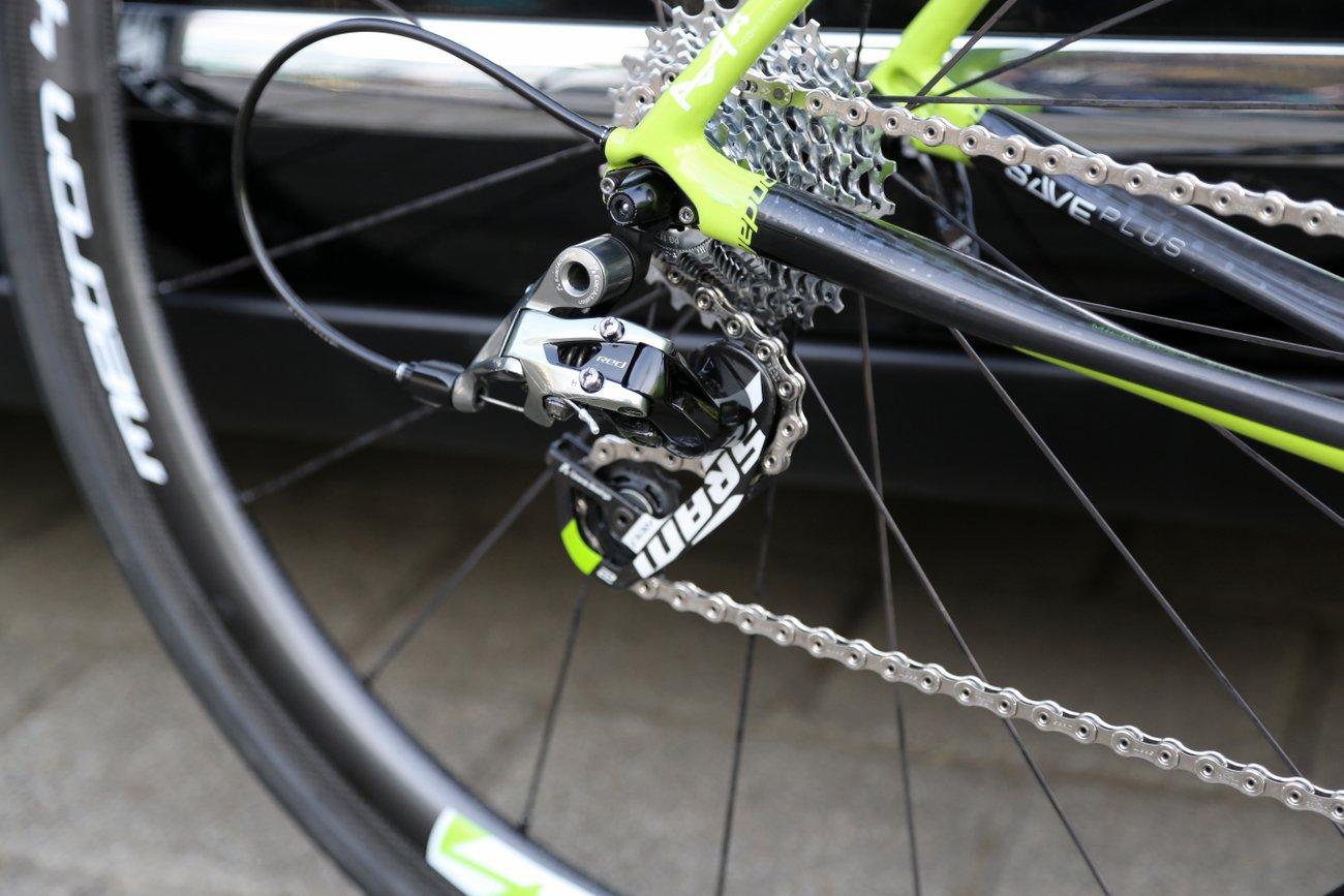 Sagans Maschine verfügt über Srams Red 22-Gruppe. Dank grüner Decals, passt sie perfekt zum Bike. (Foto: SRAM)