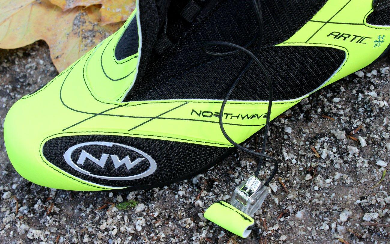 Die Northwave Artic Commuter GTX Road-Schuhe kommen ist einer sehr gut sichtbaren Farbe.