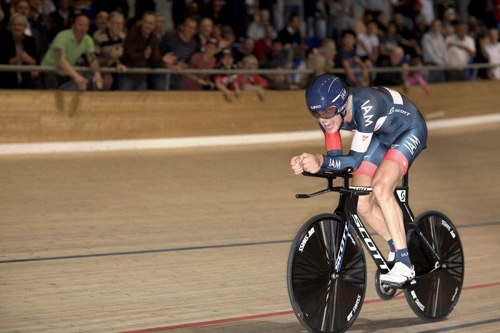 Der Österreicher, Matthias Brändle, stellte am 30. Oktober diesen Jahres den aktuellen Stunden-Weltrekord auf. (Foto: IAM Cycling)