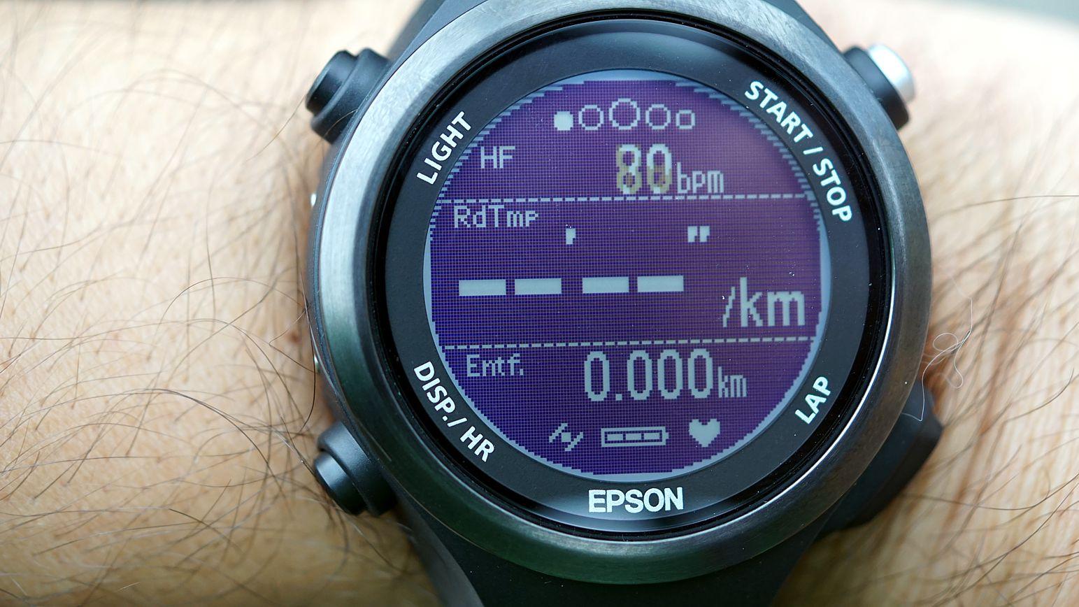 Bis zu 20 Stunden soll der Akku bei paralleler Nutzung von GPS und optischem HF-Messer halten.