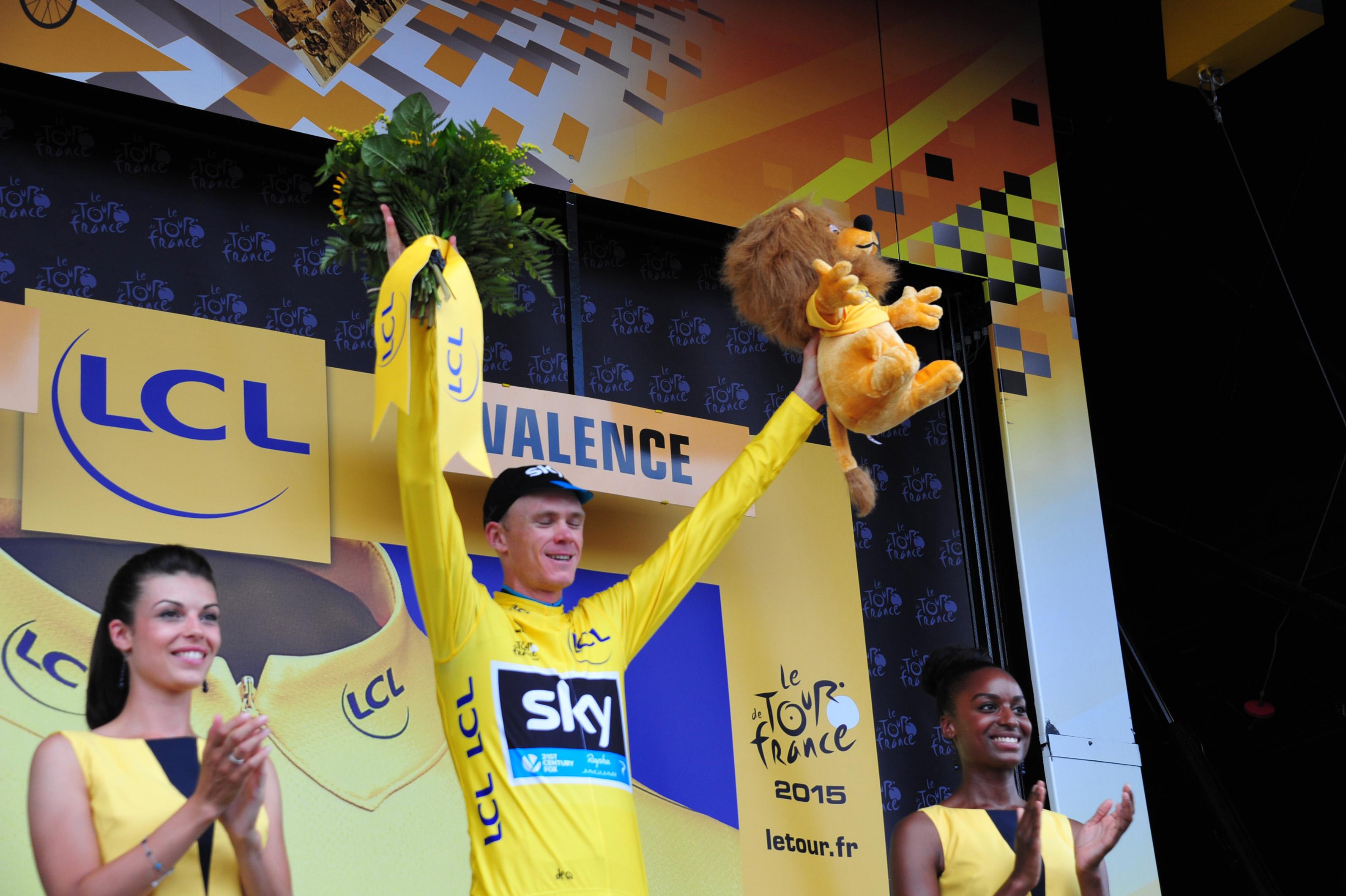 Chris Froome verteidigt das Gelbe Trikot. (pic: Sirotti)