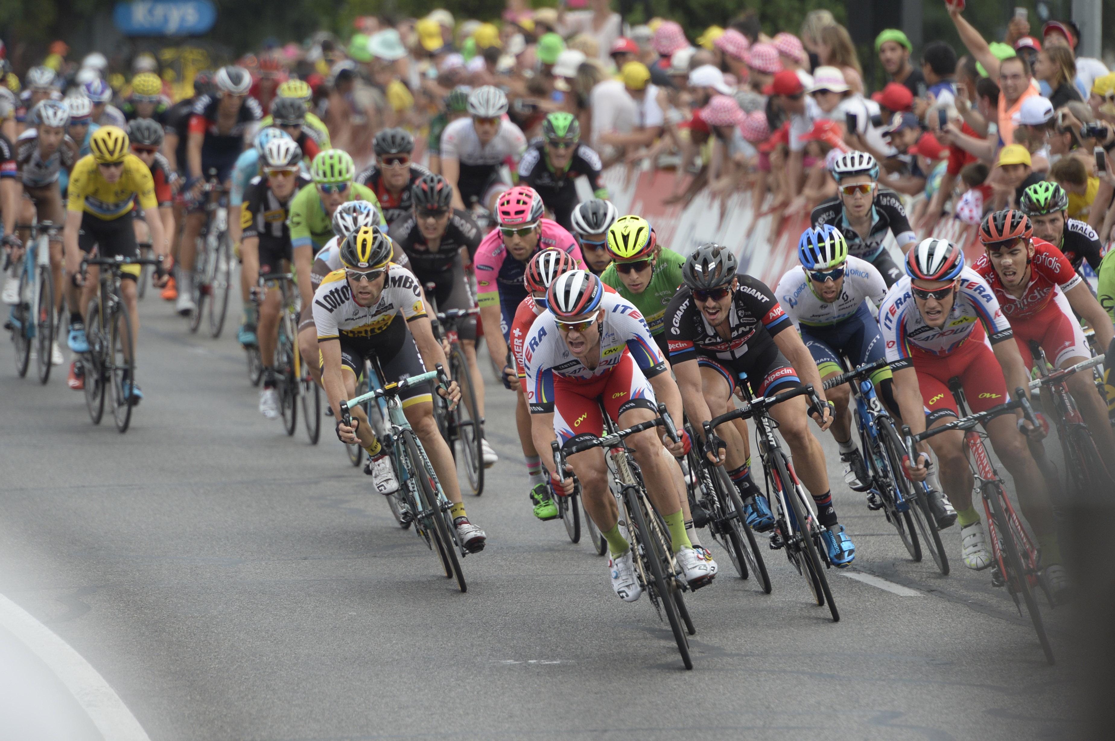 Andre Greipel gewinnt die 15. Etappe der Tour de France 2015. (pic: Sirotti)