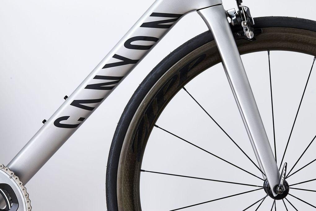 Canyon Ultimate CF SLX – das 2016er-Modell: Zipp-303-Firecrest-Carbon-Laufräder