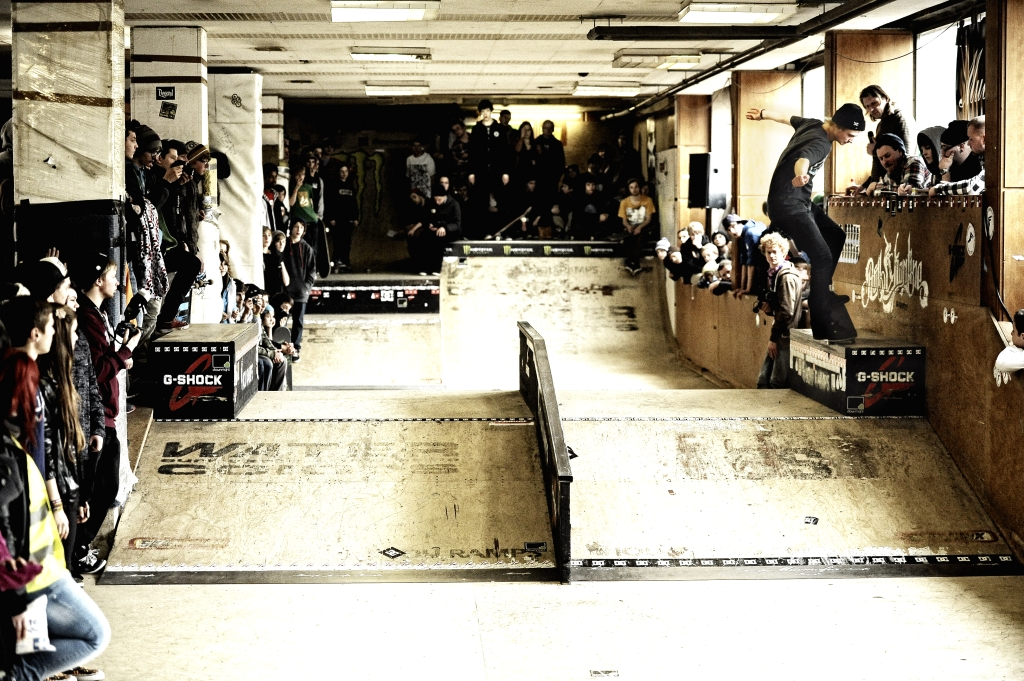 flo westers_fs nosegrind