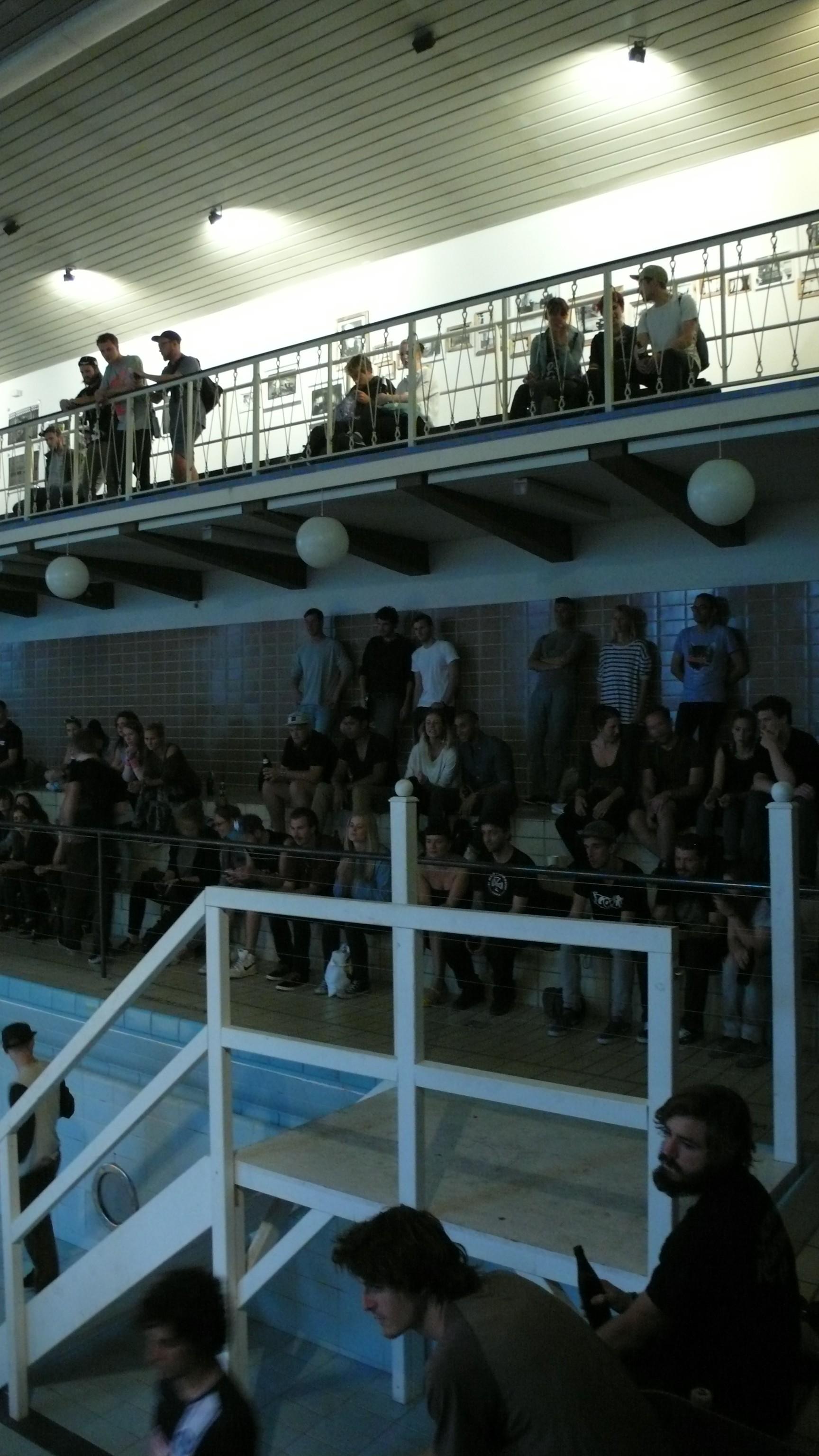 Die Crowd