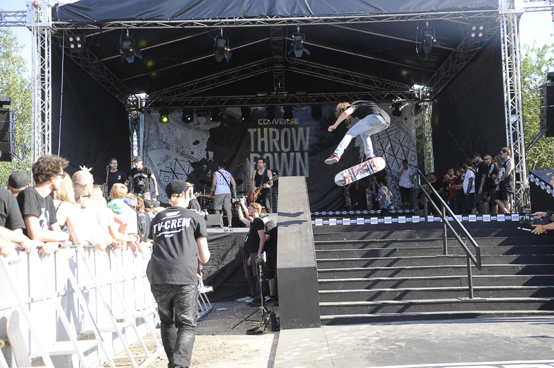 Converse Throw Down