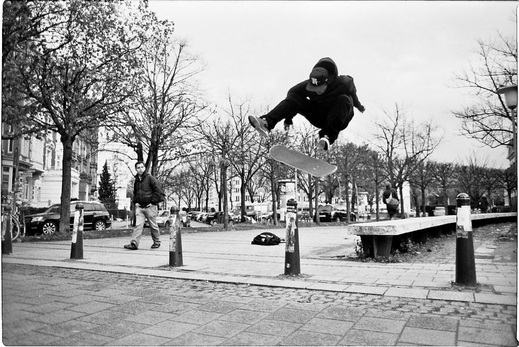 David Neier – Frontside Flip