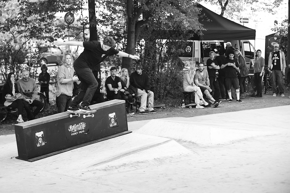 David Wollmann – Backside Tailslide | Photo: Hendrik Herzmann