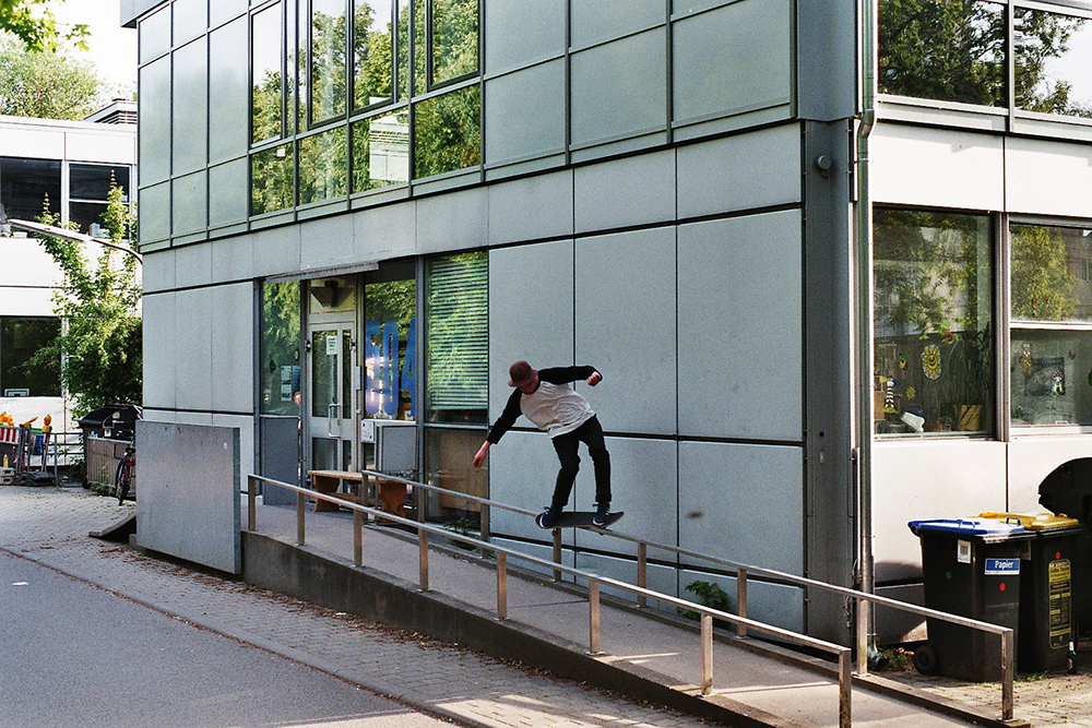 Michael Bähr – Backside Feeble
