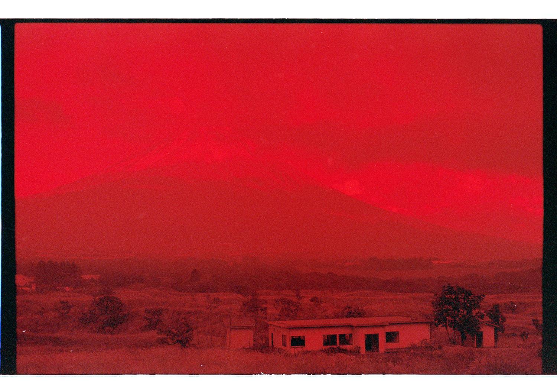 Mount Fuji mit Farbfilm und rotem Filter. Den Effekt mag ich immer wieder ganz gerne.