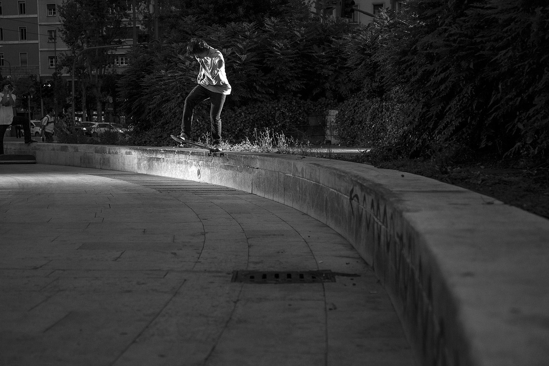 Leo Schulz – Nollie Backside Tailslide |  Mailand Centrale | Foto: Martin Herrmann
