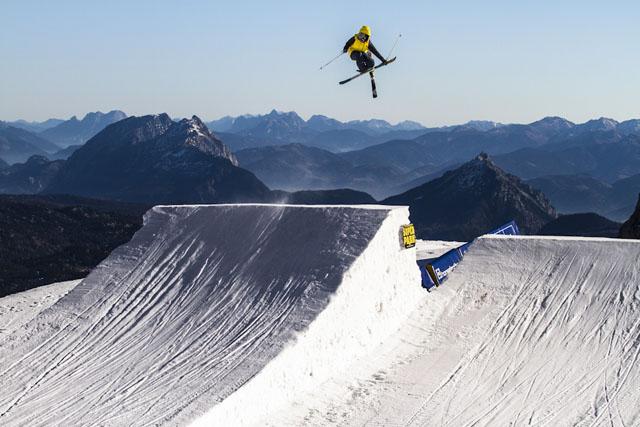 Dachstein_17-11-2012_action_fs_unknown_rider_Roland_Haschka_QParks_7