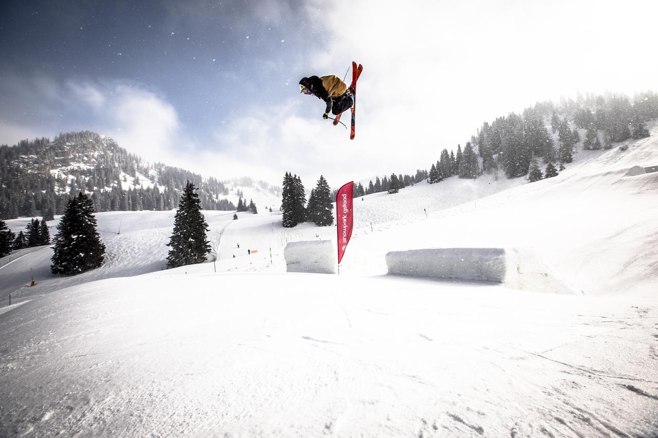 _web_Gstaad__22-02-2013__action__fs__unknown_rider__Roland_Haschka_QParks__34