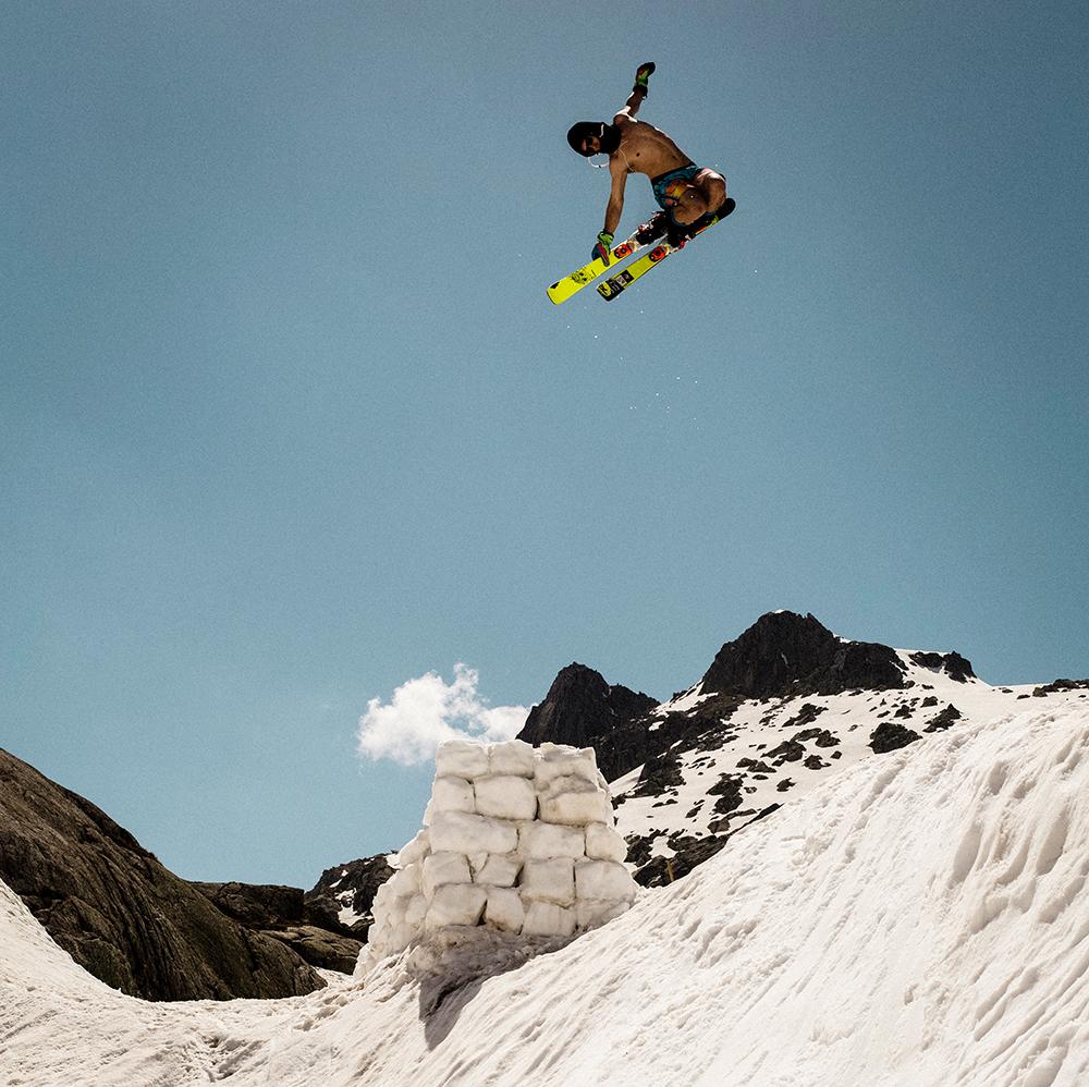Rider_Vincent_Schmid_Trick_Cork_720_Tail__Location_Hoch-Ybrig_Photographer_Daniel_Loosli-2 Kopie