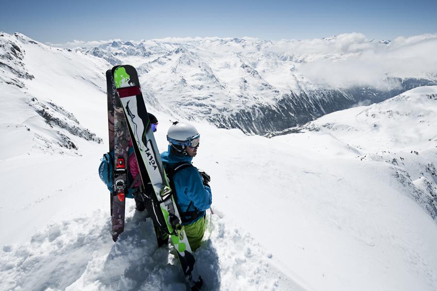 ©Stubaier Gletscher_Andre Schoenherr. Powder Department Stubaier Gletscher_WEB