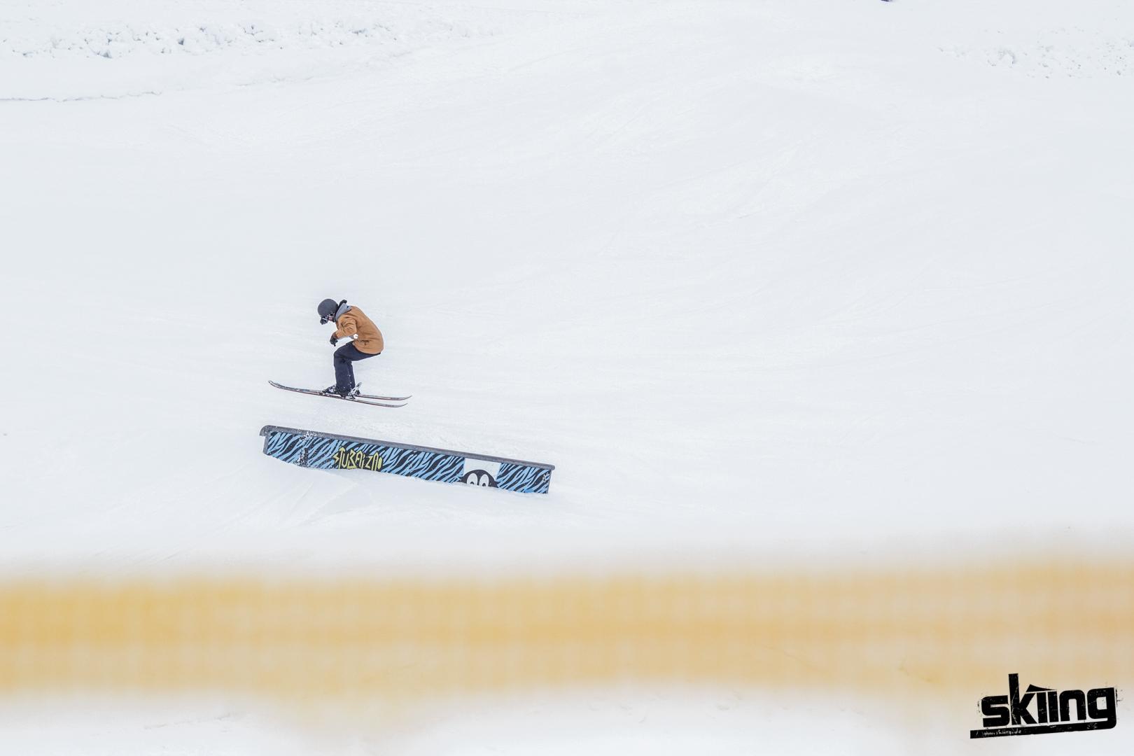 skiing_shooting-96