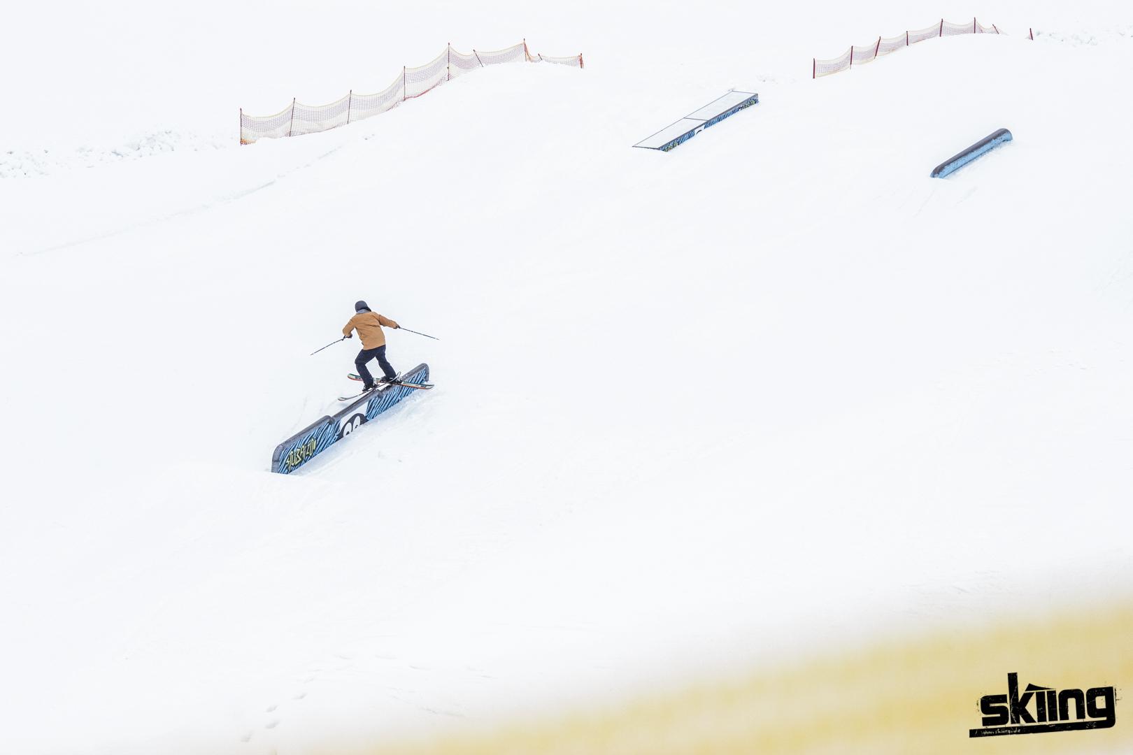skiing_shooting-98