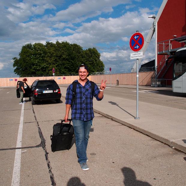 Felix Georgii trifft uns am Flughafen.