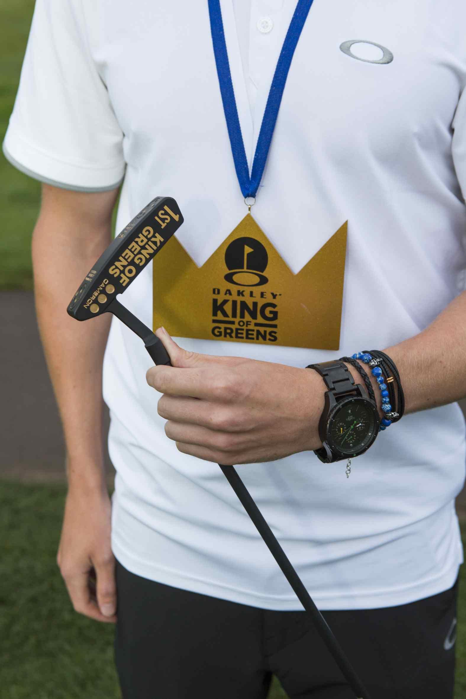 Oakley_KING_of_GREENS_2014_Trophy