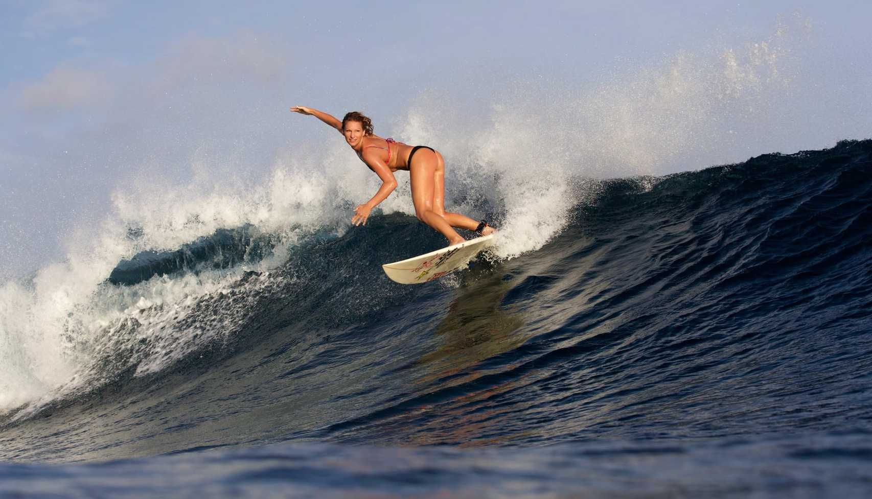 Janni Hönscheid - Surfer, Mermaid oder Model - Surf