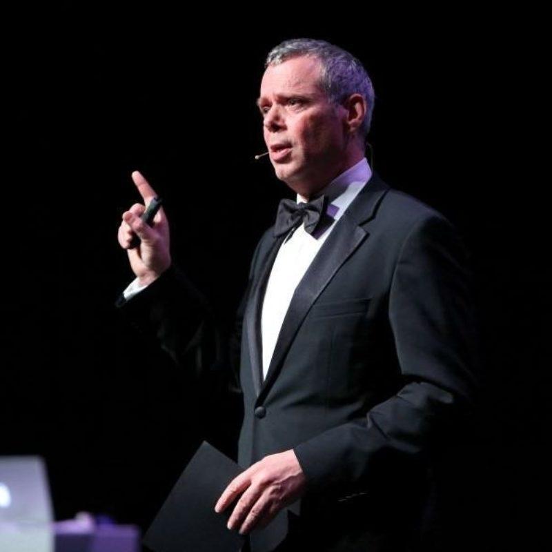 Guido Thys spreker bij Sprekershuys