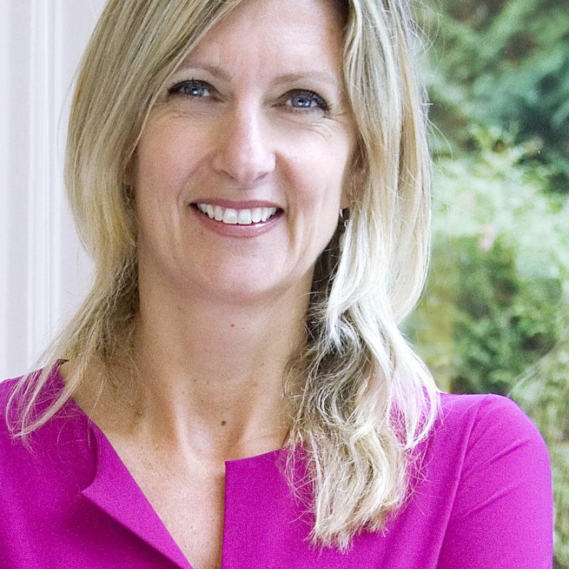 Jacqueline Zuidweg dagvoorzitter, spreker boeken bij het Sprekershuys