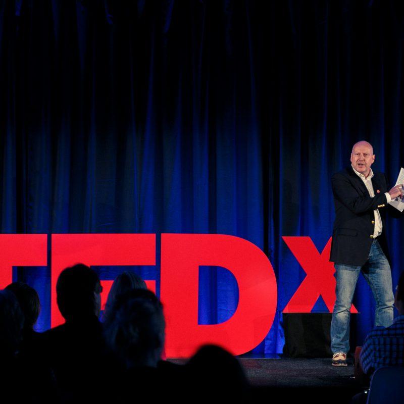 Leen Zevenbergen spreker bij Sprekershuys