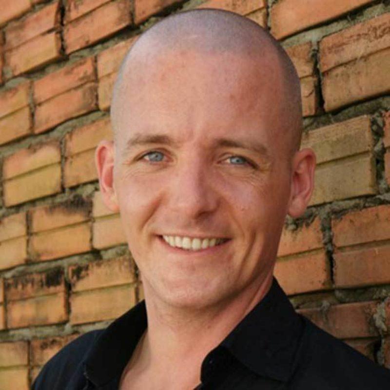 Robert Bridgeman spreker bij Sprekershuys