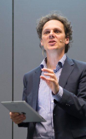 Ben van der Burg spreker, dagvoorzitter boeken bij sprekershuys