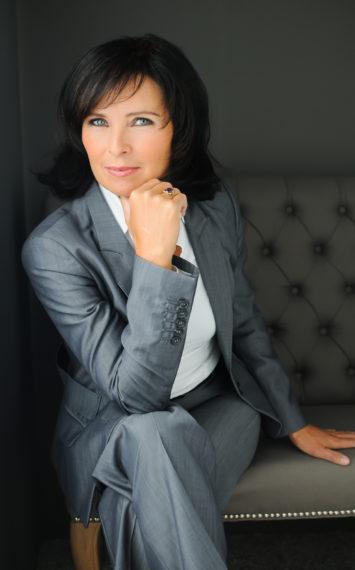 Iris Bril - spreker dagvoorzitter inhuren bij sprekershuys