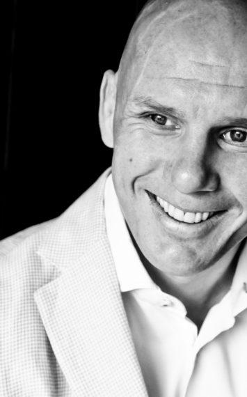 Jan van Halst  dagvoorzitter boeken  bij het Sprekershuys