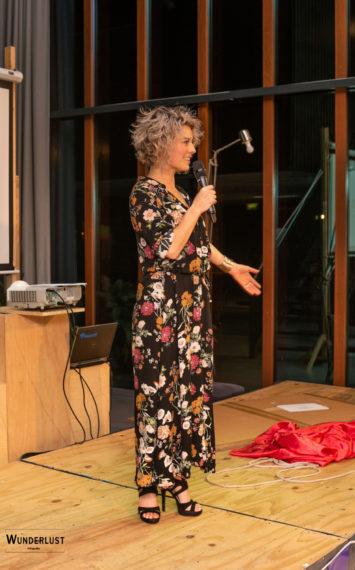 Madelon inhuren als spreker bij het Sprekershuys
