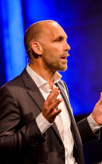 Richard van Hooijdonk spreker inhuren bij sprekershuys