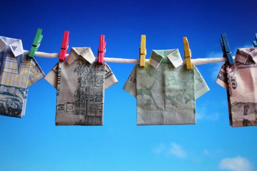 currency-t-shirts-3-1239293-638x425.jpg