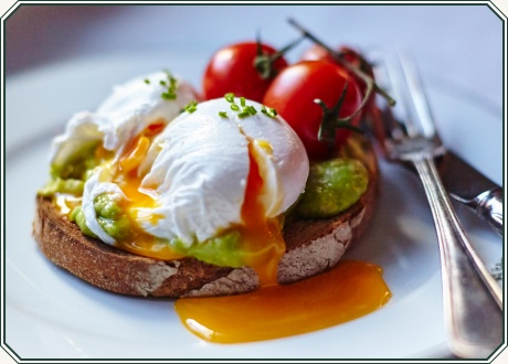 Toast with Avocado and Poached Egg