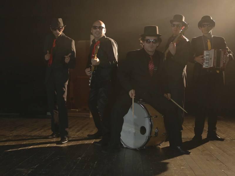 La Kal Band.