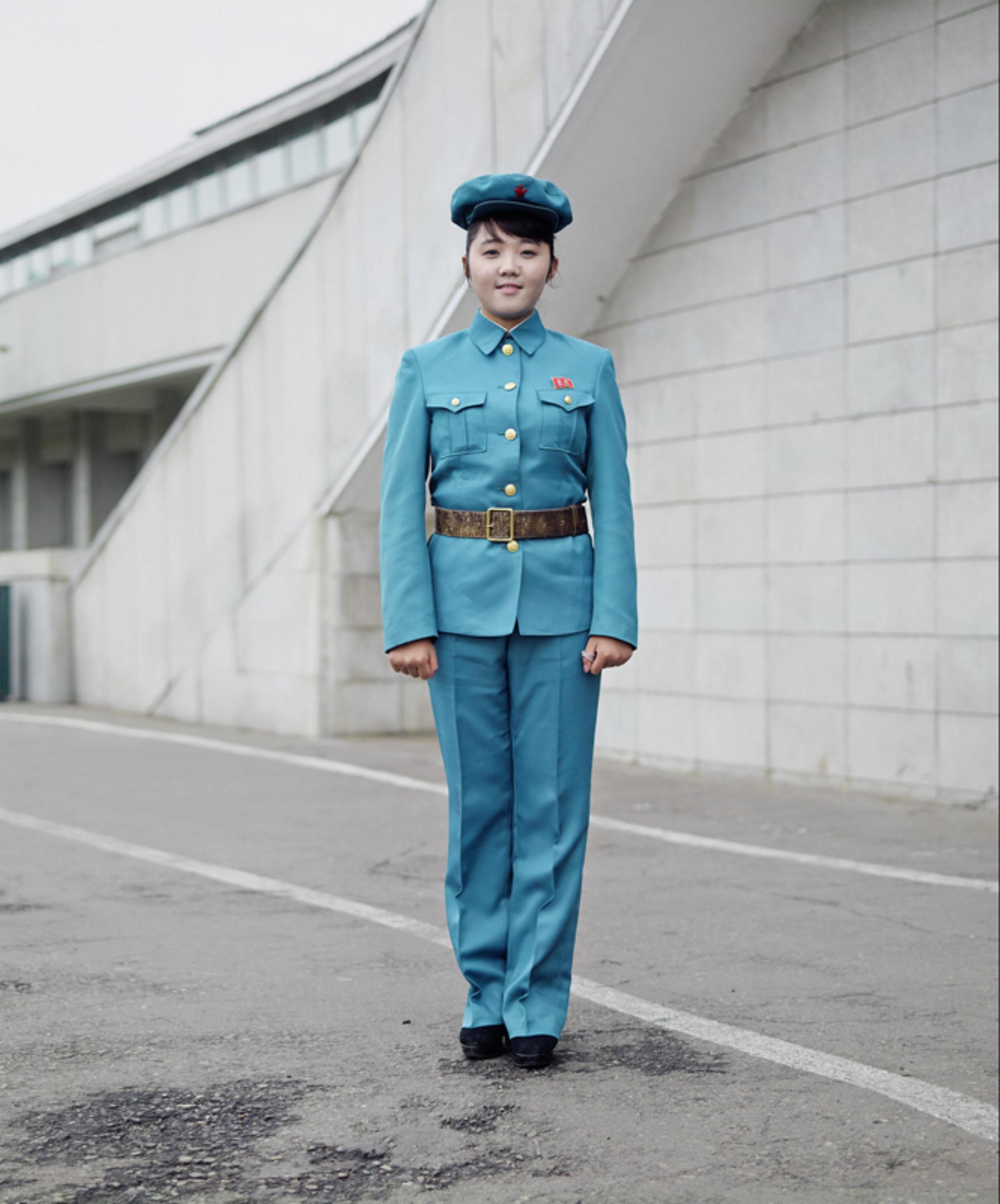 Guard in Blue Eddo Hartmann 35hxocejk9