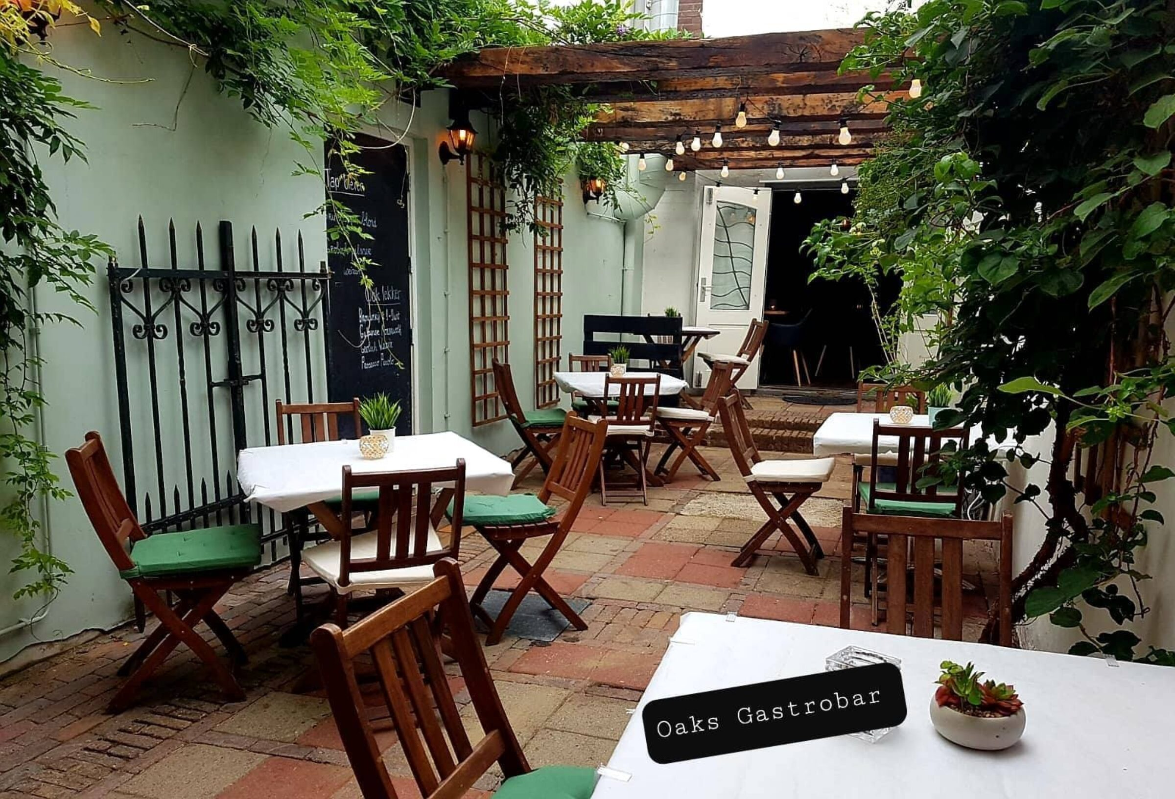Oaks Gastrobar binnentuin