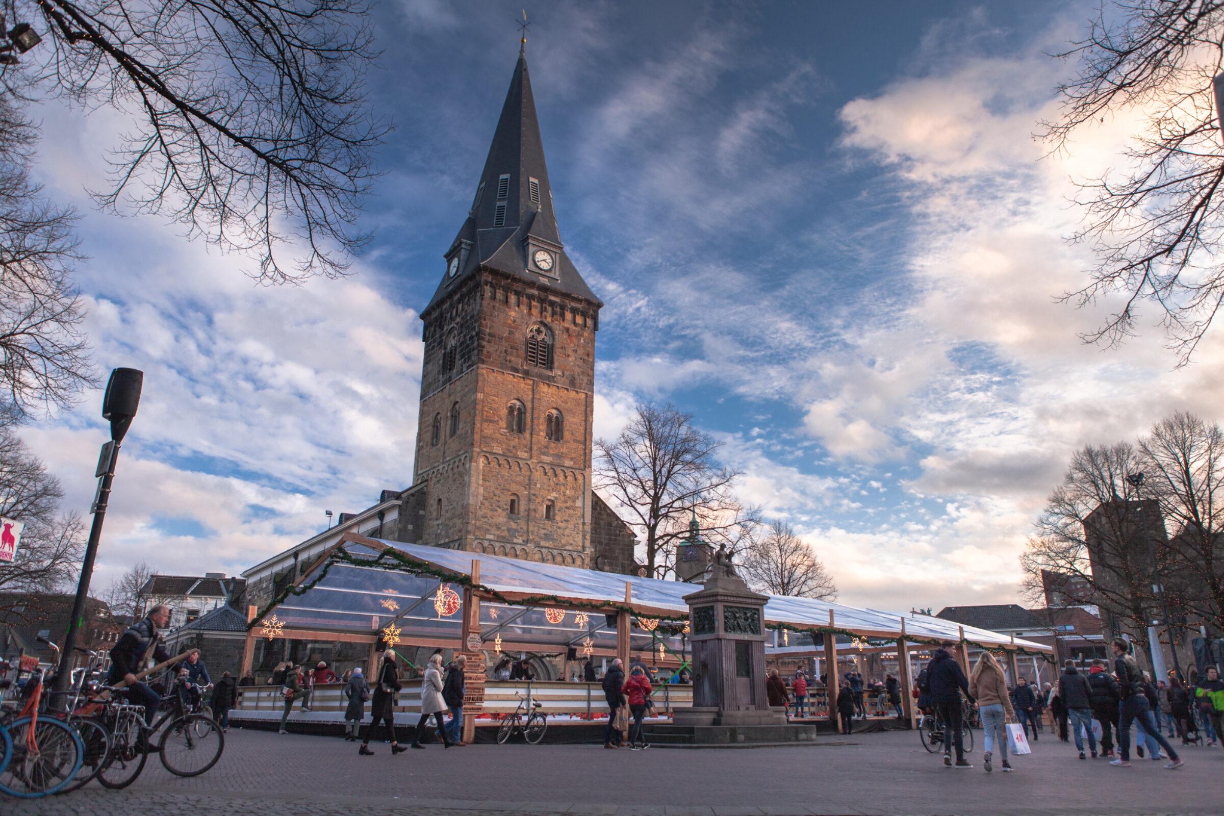 Schaatsbaan op de Oude Markt Winter Wonderland Enschede