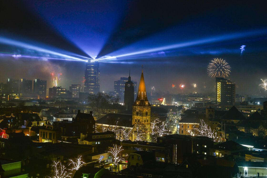 ANP 426721239 Enschede Lights Up 2021 heel strikt copyright en licentie 5 jaar