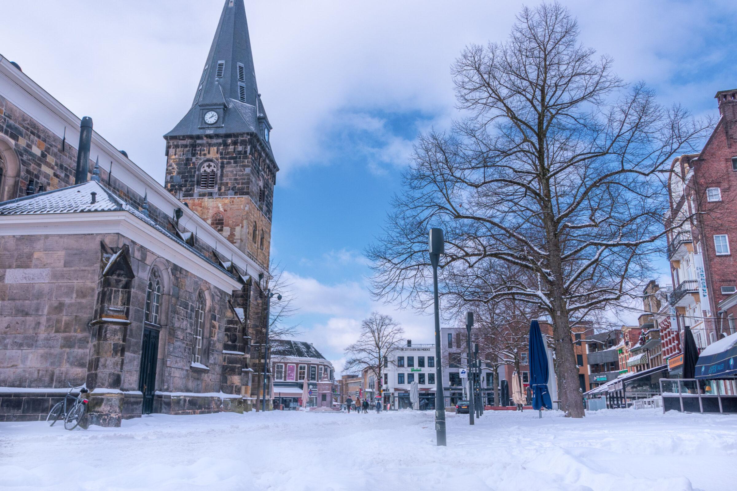 Oude Markt Enschede sneeuw