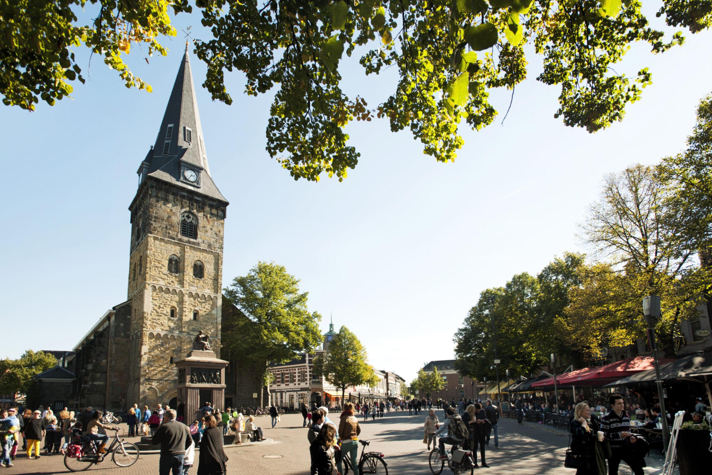 2011 Marjo Baas Oude Markt Grote Kerk algemeen 6