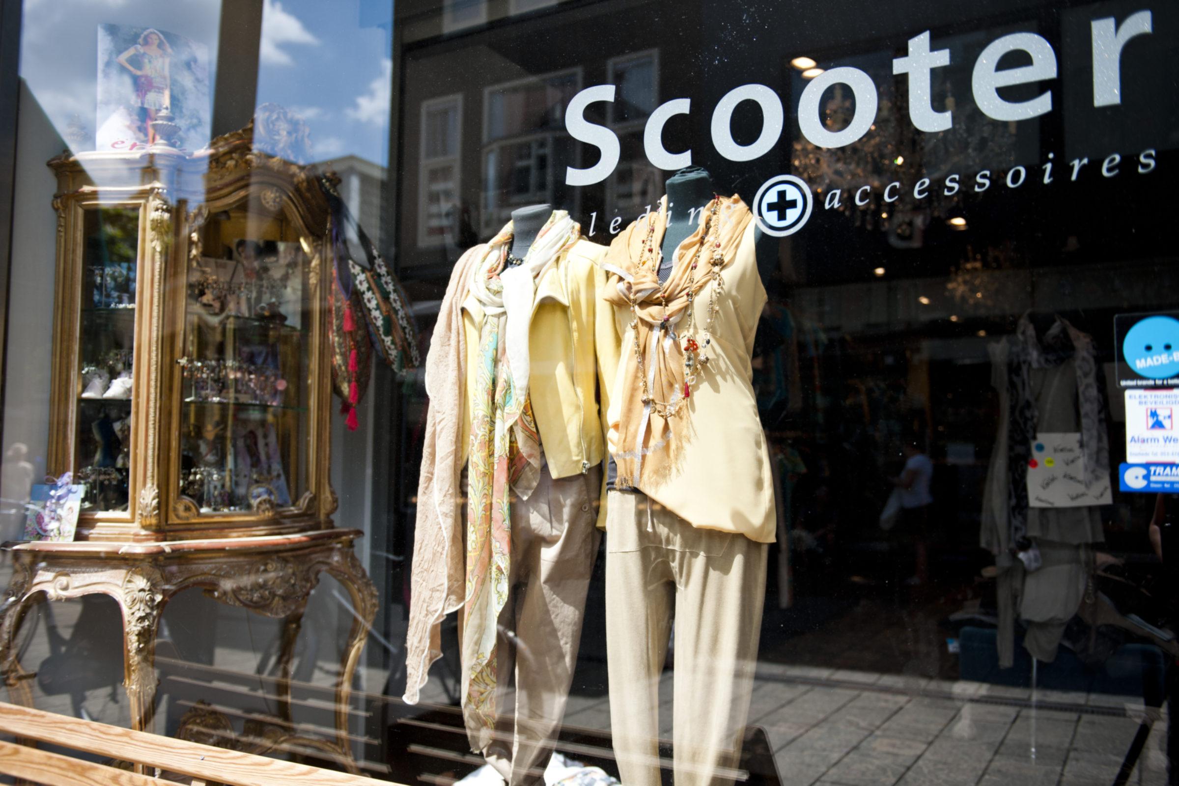2013 Scooter Haverstraatpassage Winkelen
