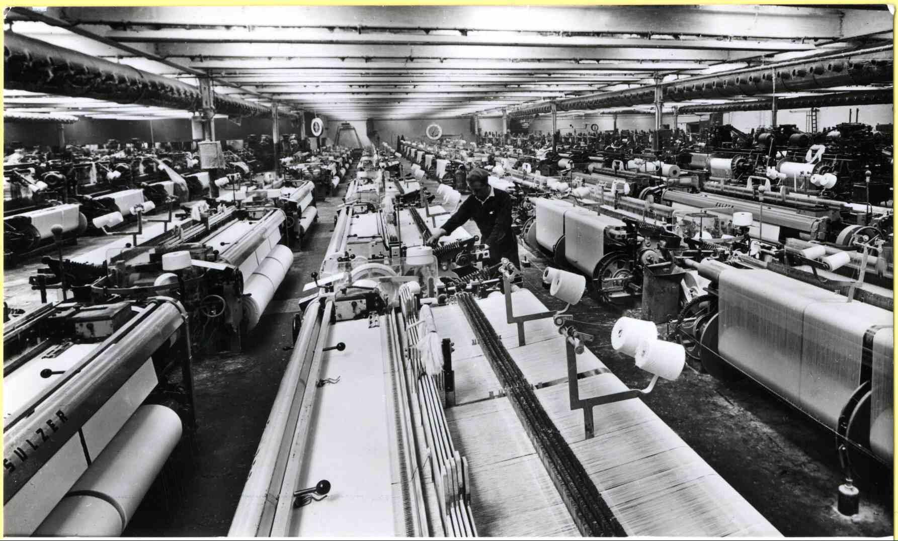 003489 Interieur Textielfabriek Jannink Arbeiders