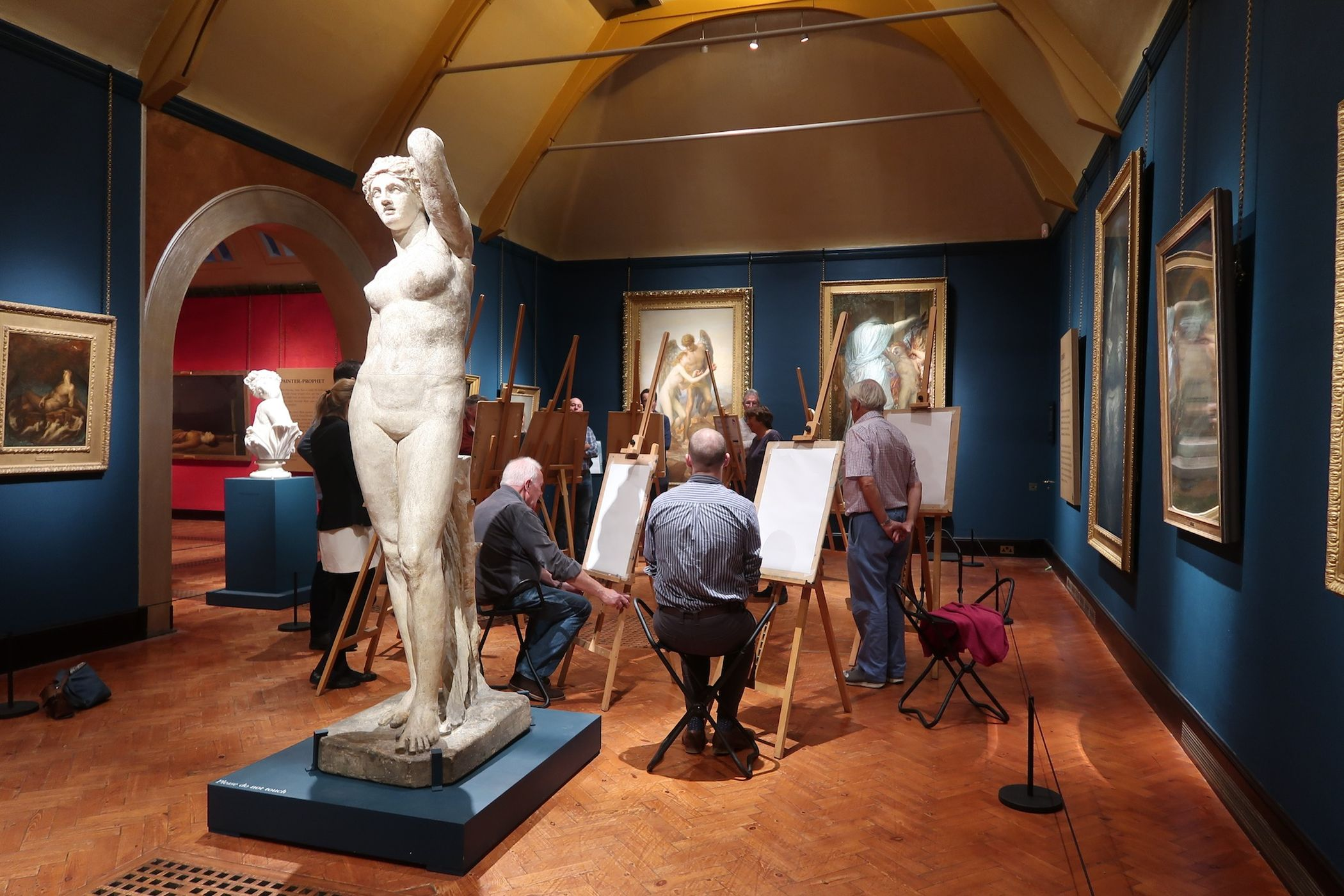 Group drawing in Watts Gallery