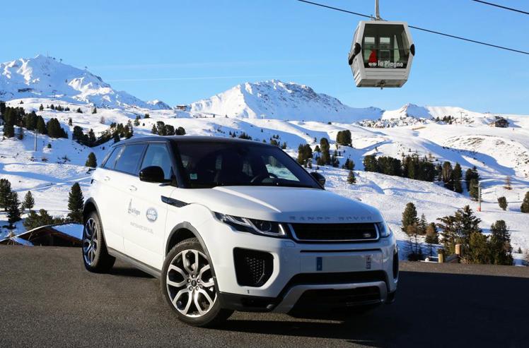 partenariat jaguar et land rover avec les stations de ski land rover paris. Black Bedroom Furniture Sets. Home Design Ideas