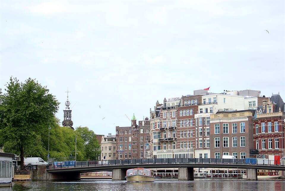 Amsterdam Travel Advice: Tips for hiring a boat in Amsterdam