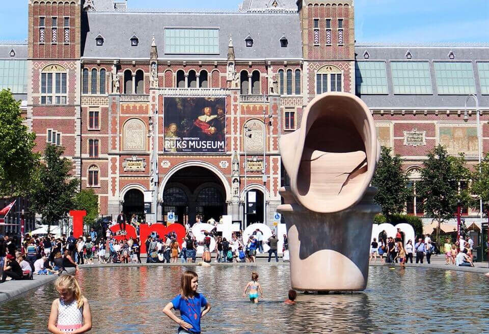 Poke fun in amsterdam