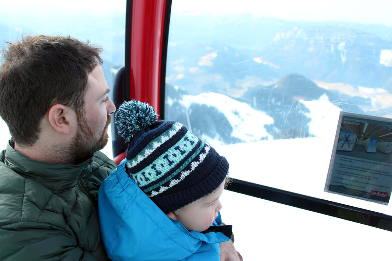 Travel Advice: Best Toddler Travel Essentials - Packing List