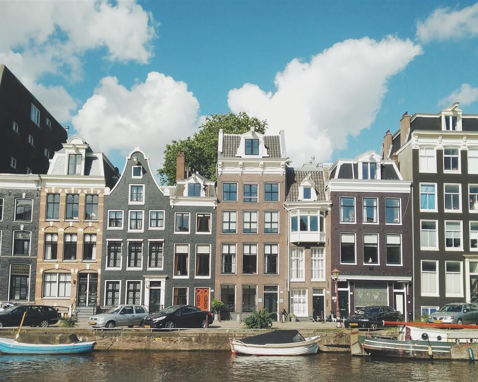 Amsterdam Travel Advice: Tips for staying in self-catered accomodation in Amsterdam